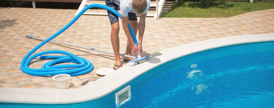 manual pool vacuum